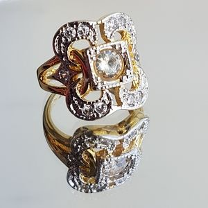 Jewelry - Art deco gold/silver ring